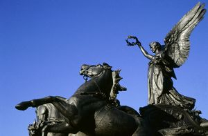 Wellington Arch quadriga M010405
