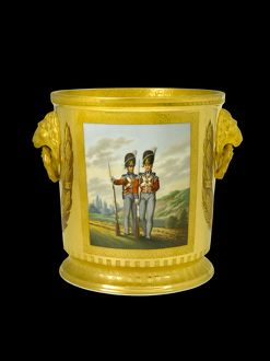 Wine cooler depicting British Foot Guards N081106
