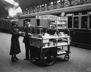 GWR Refreshment Department platform trolley, May 1937