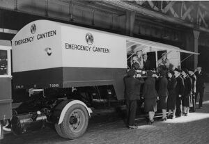 Mobile emergency canteen at Paddington Station, during WWII