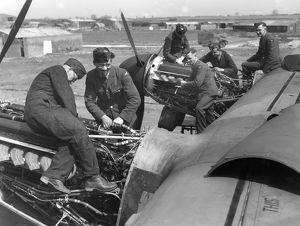 Engine fitters at work, RAF Bottesford 1942