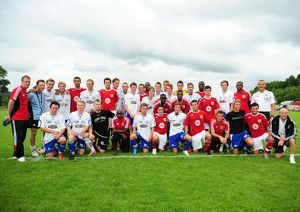 Bristol City Players and Vallens Players have a team photo together