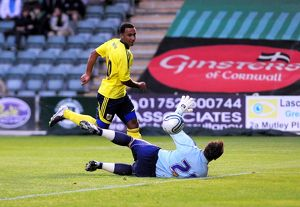 Bristol City's Nicky Maynard scores his second goal of the night