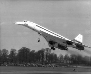 Concorde 002 takes-off from Filton on its maiden flight