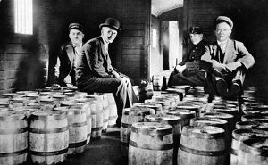 The Flow of Gold from the USA to France. Bullion in Kegs. A