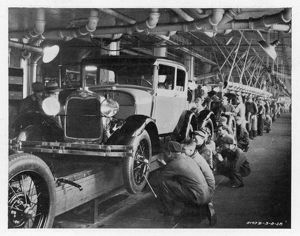 FORD ASSEMBLY LINE 1930