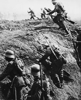 German trench attack WWI