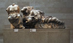 Three Goddesses. Hestia, Dione and Aphrodite. East Pediment