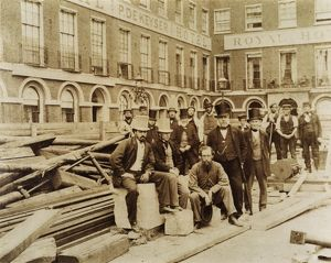Group of workers on Blackfriars Bridge site