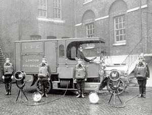 LCC-LFB Southwark's Emergency Tender and crew