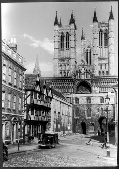 LINCOLN CATHEDRAL 1940S
