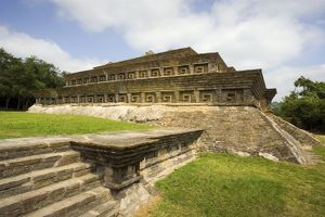 <b>El Tajin, Pre-Hispanic City</b><br>Selection of 12 items