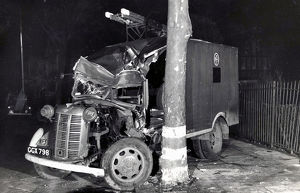 NFS Heavy Unit vehicle accident, Ealing, WW2