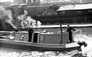 NFS (London Region) narrow boat fitted with fire pumps