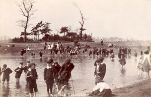 PADDLING ON BLACKHEATH