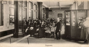 new images grenville collins collection/st bartholomews hospital london dispensary