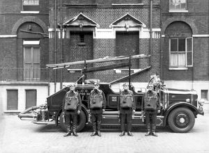 Station 28, Whitechapel BA pumps crew