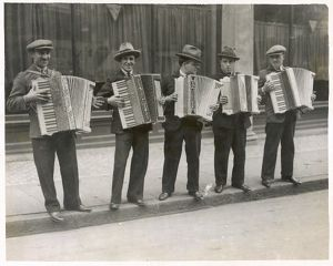 STREET ACCORDIONISTS