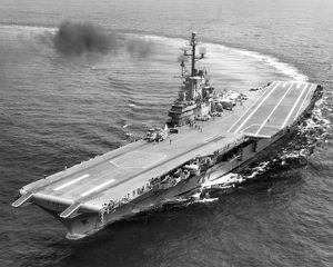 USS Intrepid (CV-11) c April 1960