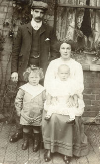 new images grenville collins collection/working class family sunday best attire