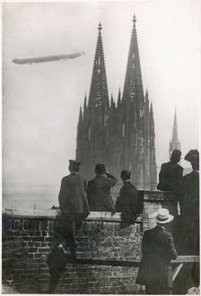 ZEPPELIN OVER COLOGNE