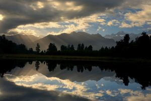 Lake Matheson - perfect reflection of the Southern Alps in Lake Matheson