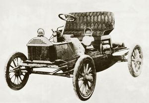 Early car, 1904 Buick