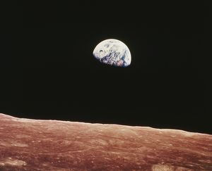 space/earthrise seen surface moon