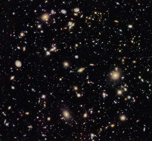 <b>Hubble Space Telescope</b><br>Selection of 39 items