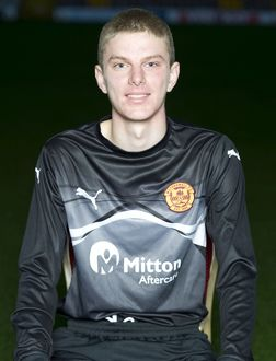 08/09/10 - 10090806 - MOTHERWELL F.C. FIR PARK - MOTHERWELL. Mark Roberts