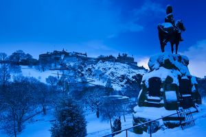 Scotland, Edinburgh, Edinburgh City. Edinburgh Castle and Princes Garden under a