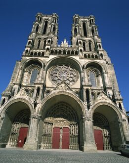 The 12th century cathedral of Notre Dame at Laon, Aisne, Picardie, France, Europe