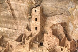 <b>Mesa Verde National Park</b><br>Selection of 117 items