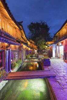 bars restaurants canal dusk lijiang unesco world