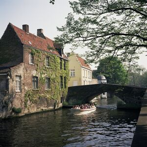 Boat trips along the canals, Bruges, Belgium, Europe