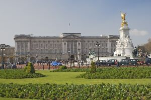 Buckingham Palace and Queen Victoria Monument, London, England, United Kingdom, Europe