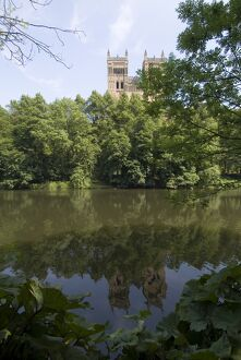 Cathedral reflected in River Wear, UNESCO World Heritage Site, Durham, County Durham