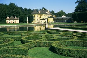 Curved hedges in formal gardens, Schloss Hellbrunn, near Salzburg, Austria, Europe