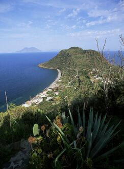 Isole Eolie (Aeolian Islands) (Selection of 80 Items)