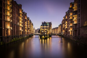 long exposure blue hour shot speicherstadt warehouse