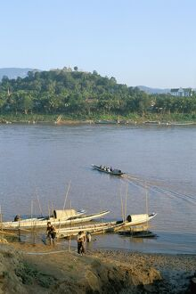 Looking east across Mekong River to Phousi Hill and