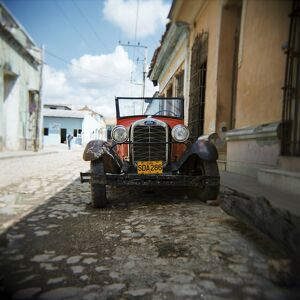 Old Ford car, Trinidad, Cuba, West Indies, Central America