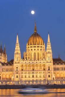 Parliament Building at dusk, Budapest, Hungary, Europe