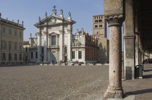 Piazza Sordello and the Duomo, Mantua, Lombardy, Italy, Europe