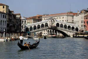 Rialto Bridge, Grand Canal, Venice, UNESCO World Heritage Site, Veneto, Italy, Europe