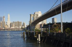 The River Cafe and Brooklyn Bridge