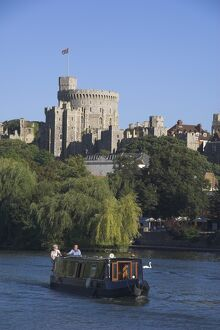 River Thames and Windsor Castle, Berkshire, England, United Kingdom, Europe
