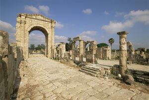 Roman triumphal arch and colonnaded street