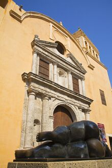 Santo Dimingo Church and Figura Reclinada 92 Sculpture by Fernando Botero