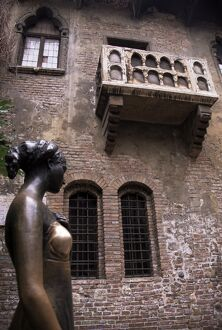 Sculpture of Juliet
